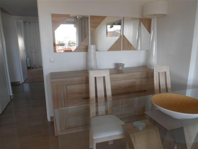 Salon avec WIFI, TV HD, meubles neufs