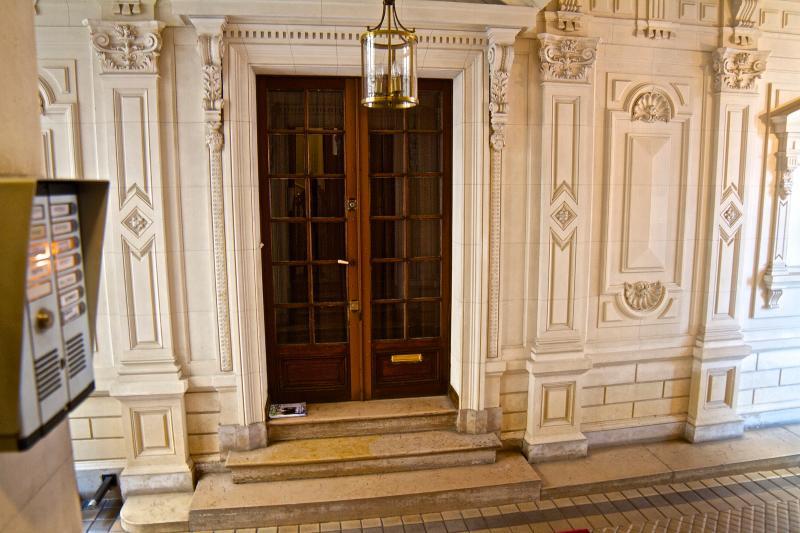 Sans doute un des plus bel immeuble Haussmannien de Paris !