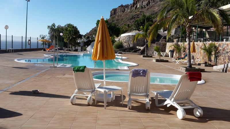 top pool, baby pool with sun beds