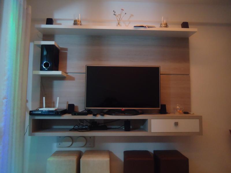 Diversão na sala completa Tv Full HD, Wi Fi, Tv a cabo, Home Theater
