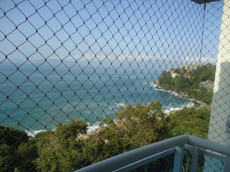 Essa é a vista da nossa varanda!  Todas as janelas e a varanda tem rede de proteção
