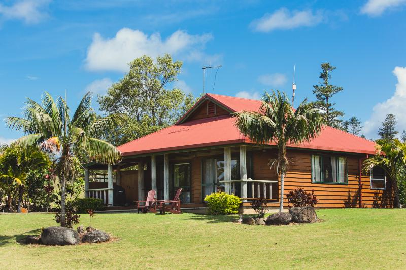 Kushu Cottage - Romantic Norfolk Island 1 Bedroom Cottage with Lush Gardens and Ocean Views