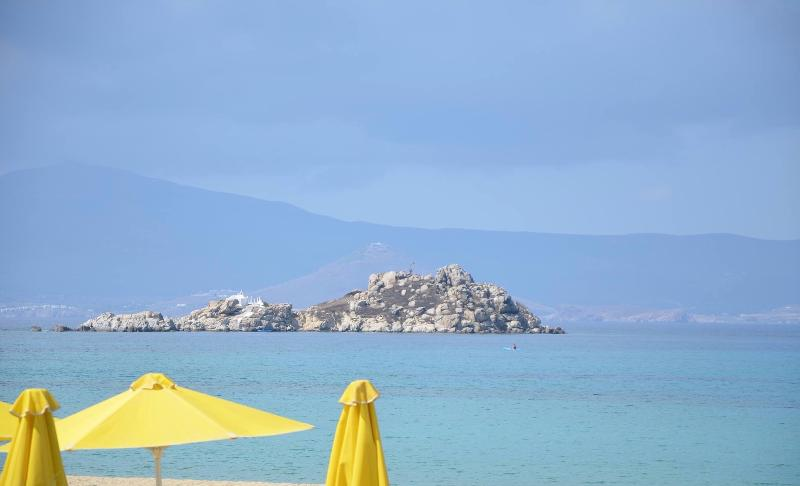 Welcome to Casa Aragosta and this beautiful beach only 70m away. Paradise!