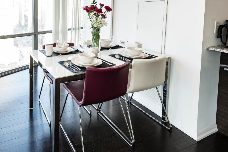 Dining Room with seating for 4.