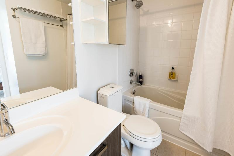 The Master en-suite Bathroom with fresh towels.