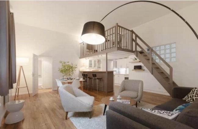 A cosy, quiet & spacious living-room at the heart of the city