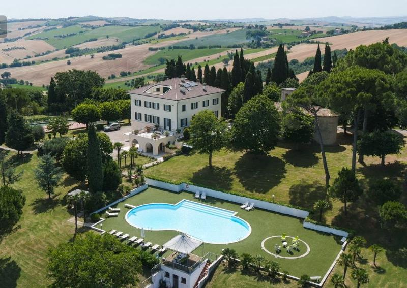 Villa San Pellegrino, Luxury home vacation
