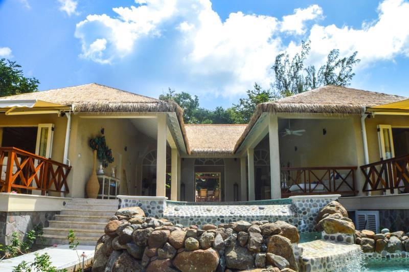 Cottonwick - Three Bedroom Villa, Ferienwohnung in St. Vincent und die Grenadinen