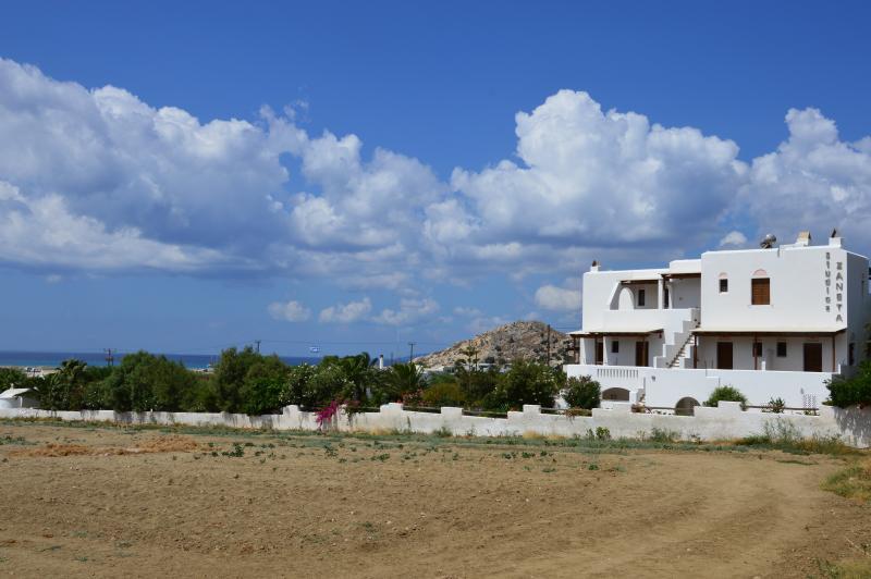 Zanneta Studios - Apartment, vacation rental in Naxos