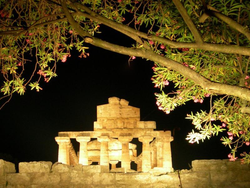 OS Garden - Maison de Charme - Gita a Paestum