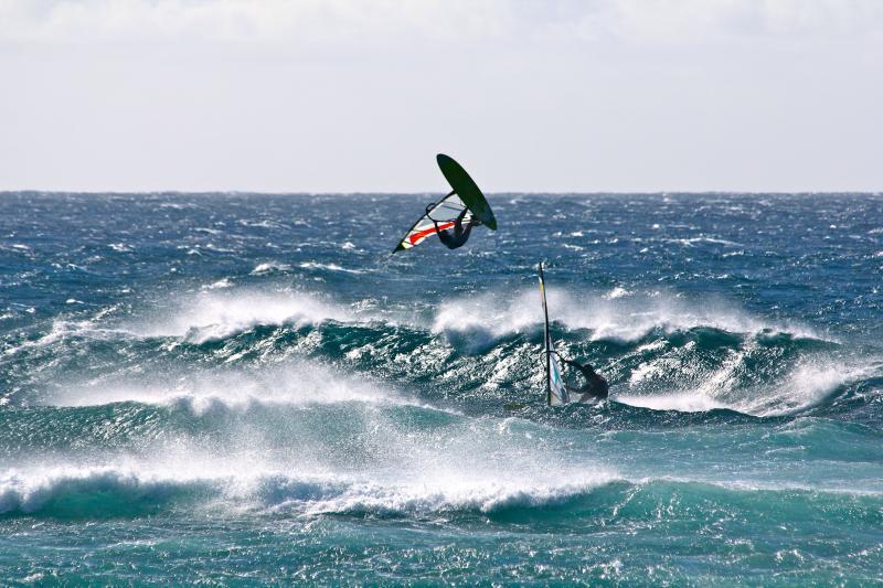 Ho'oikpa wind surfer does a flip