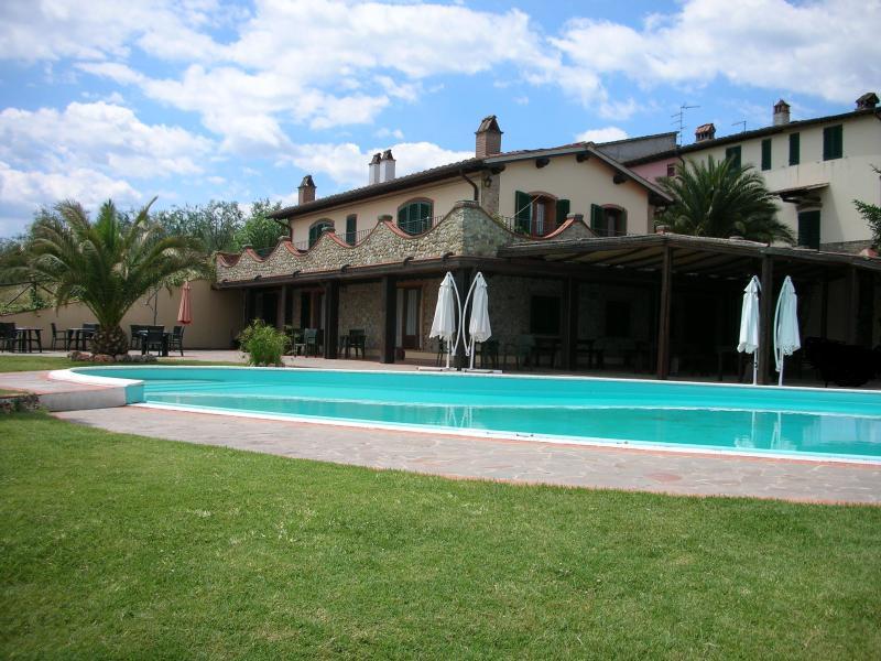Agritrurismo villa vacanze Manetti, alquiler vacacional en Montegufoni