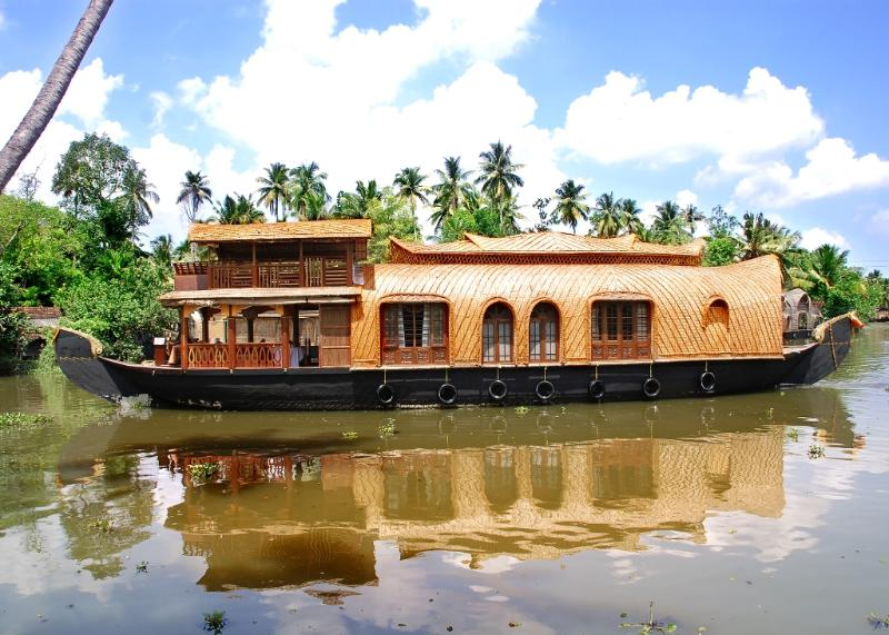 AMRUTHAM HOUSEBOATS, vacation rental in Kottayam