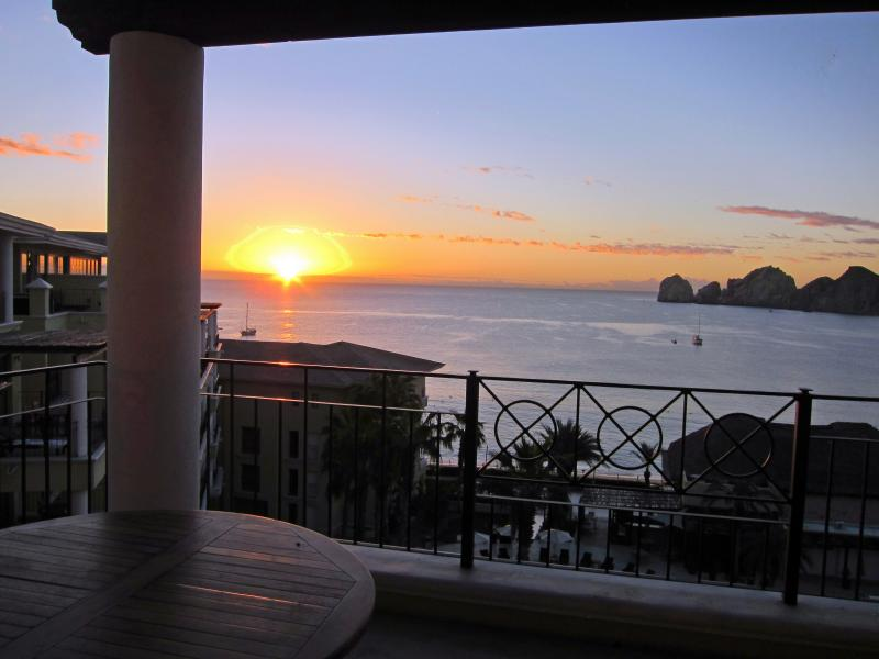 le lever du soleil à la Casa Dorada
