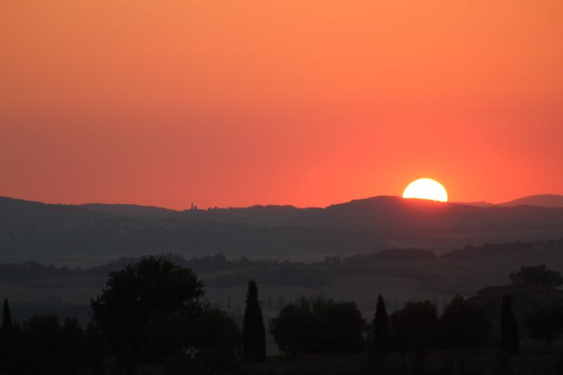 the stunning sunset at Podere Salicotto ;)