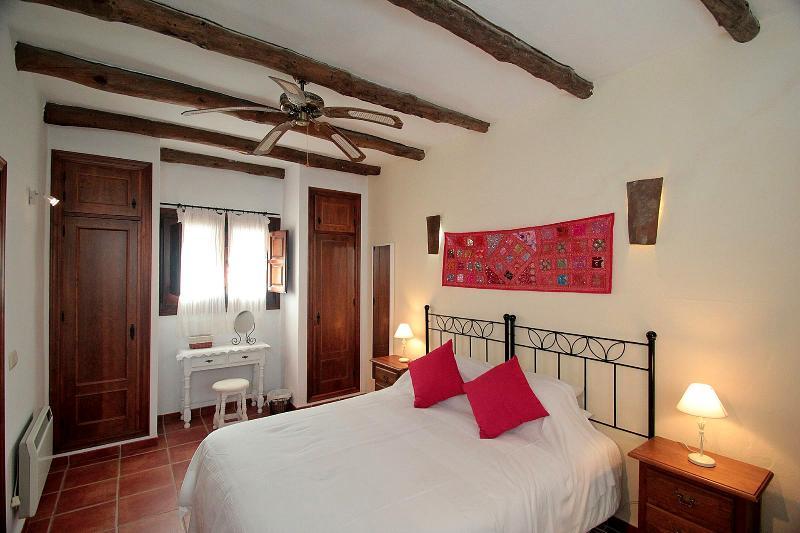 Dali bedroom