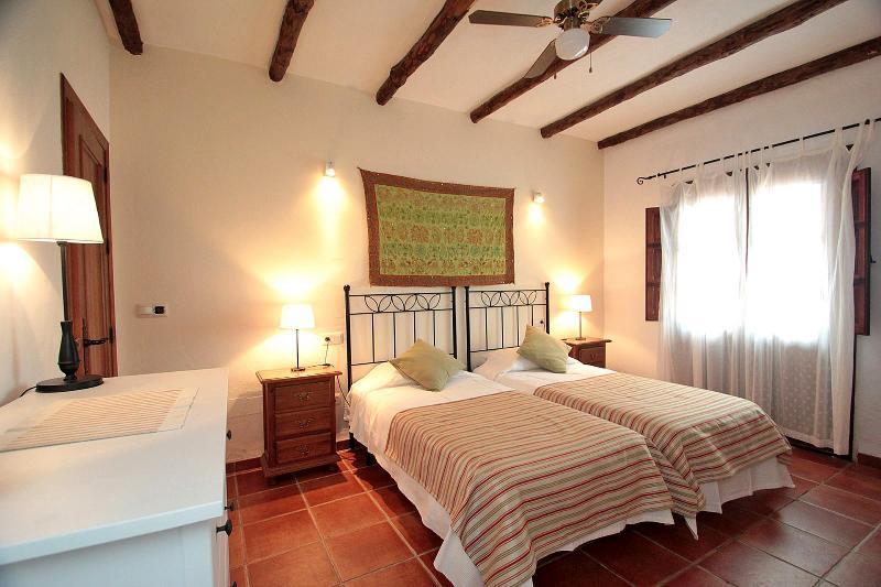Twin bedroom Gaudi
