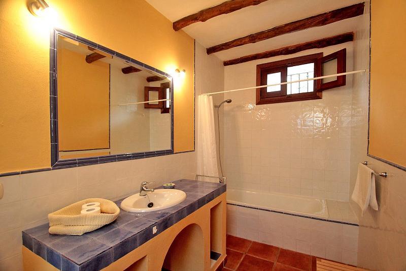 Family bathroom Picasso