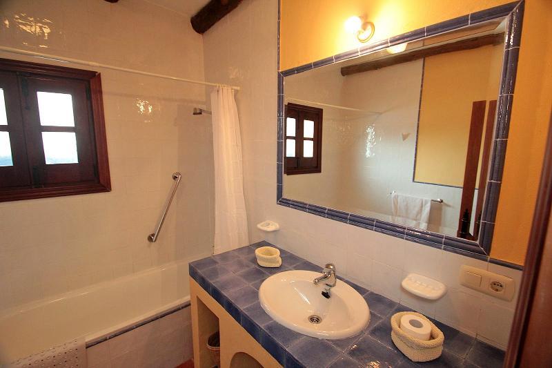 Family bathroom Gaudi