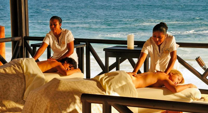 Massages while listening to the waves