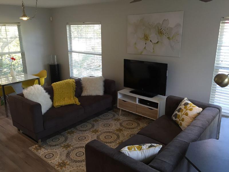 Newly Remodeled Spacious Loft  in Sarasota!, holiday rental in Sarasota