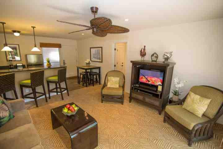 Great Location - Ground Floor Corner unit - Aina Nalu Resort.