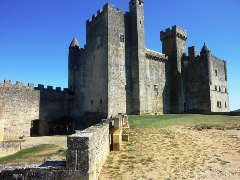 Beynac Castle,Locattion of movies like Joan of Arc, is just a 30 minute drive, one of many sites nea