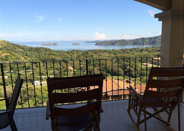 Gorgeous Luxury View Coco Bay Estates. third floor,  2 Bdr, 2 Bath Condo, vacation rental in Nuevo Colon
