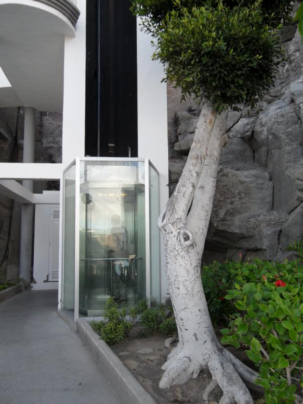 lift with glass window