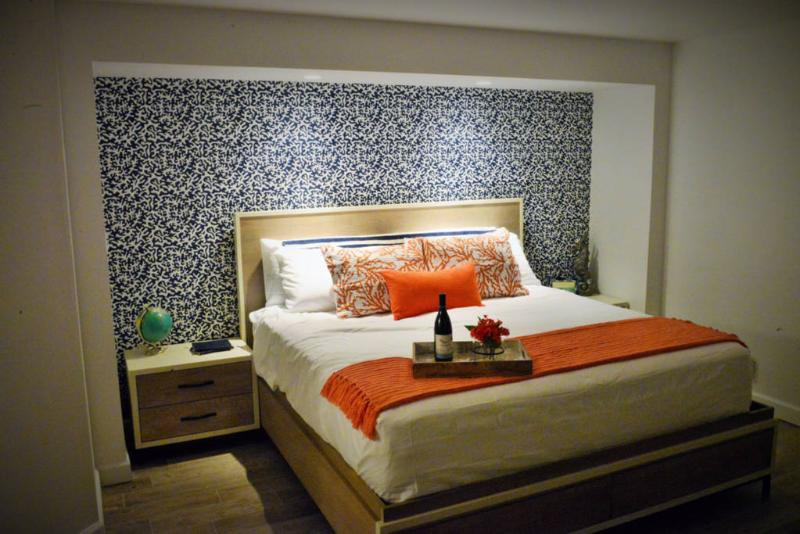 King size bedroom with en-suite bath
