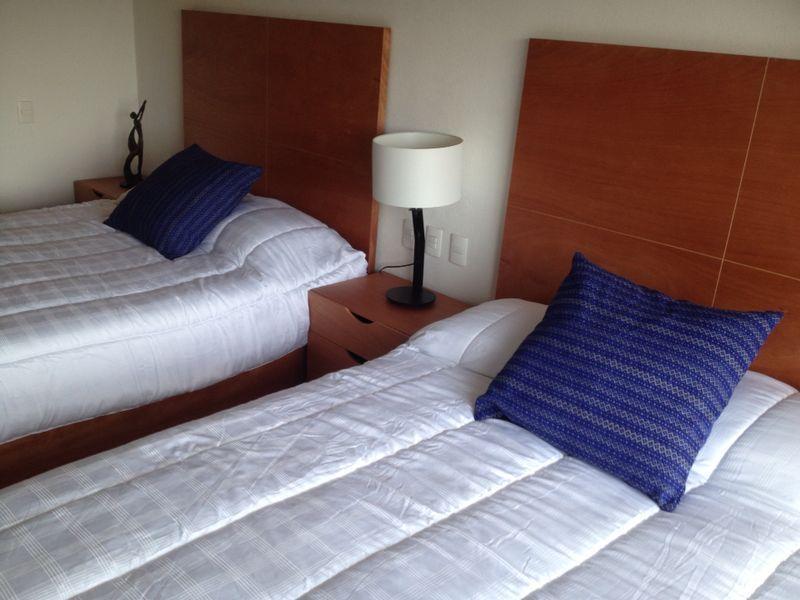 Second bedroom, 2 queen beds.