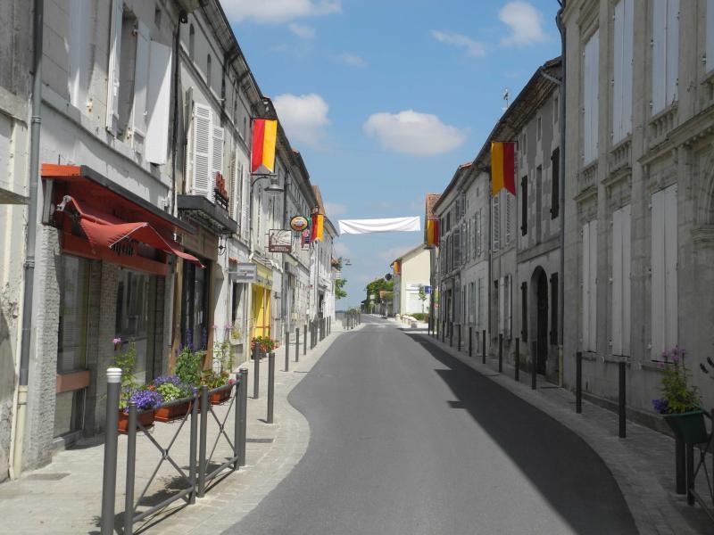 Main street in St Aulaye (Rue du Dr Pierre Rousseau)