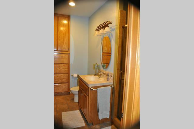 En Suite bathroom with shower stall