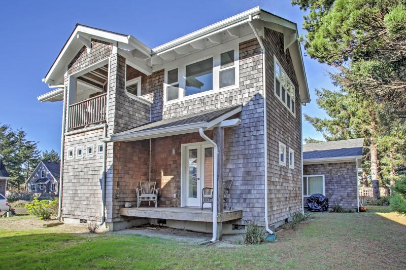 Come see all that this Rockaway Beach vacation rental house has to offer!