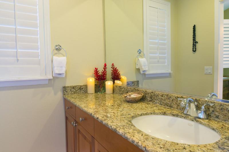 2e badkamer, granieten toonbanken, aanplantingsblinden