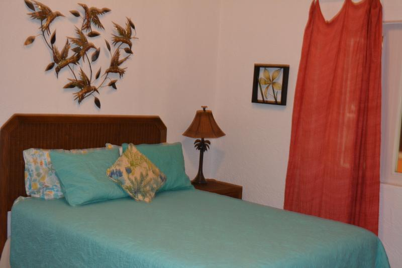Downstairs 2nd Master suite with queen size bed and attached bathroom with full bath