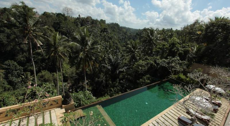 Sunset Hill Ubud Villa, location de vacances à Kedewatan