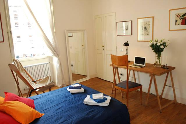 2 Double room (view on Campo de' Fiori) double glasses