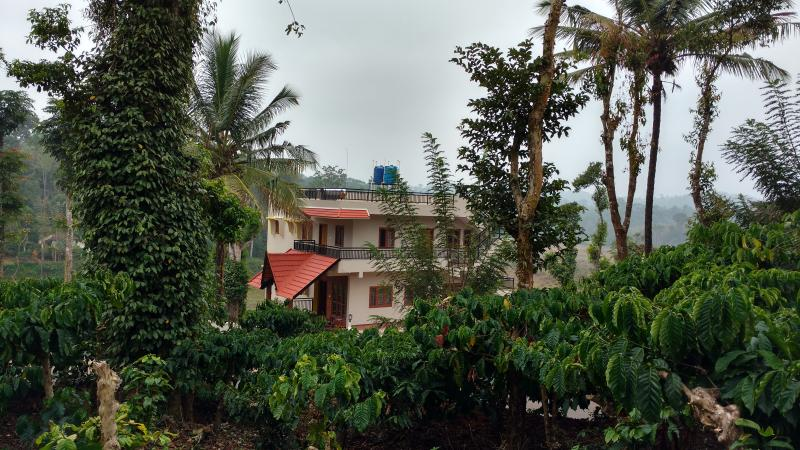 Mountains & Meadows, holiday rental in Coorg