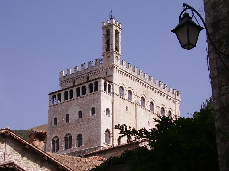 Gubbio: importante centro de la civilización de Umbría, etruscos, romanos y luego medieval