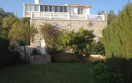 Villa from the front yard
