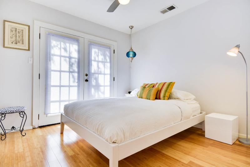 simple cozy modern master bedroom