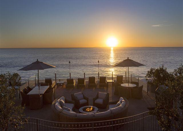 The Djakarta is just steps from the common area ocean and coastline views., vacation rental in Laguna Beach
