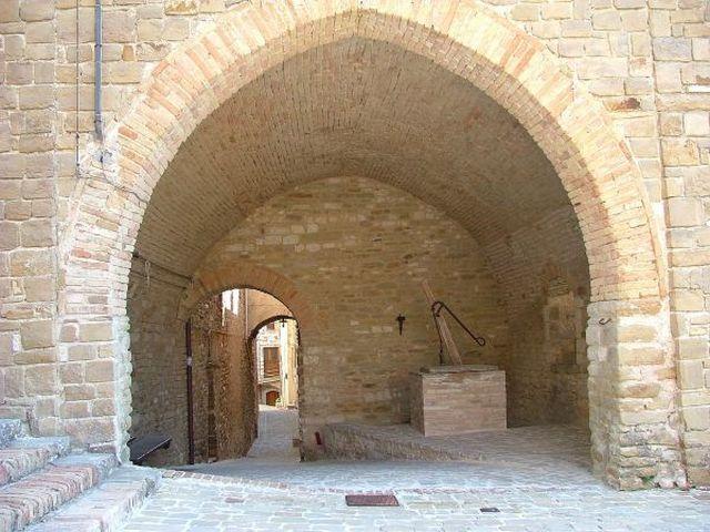 Casa Vacanza Castello di Avacelli, holiday rental in Montefortino