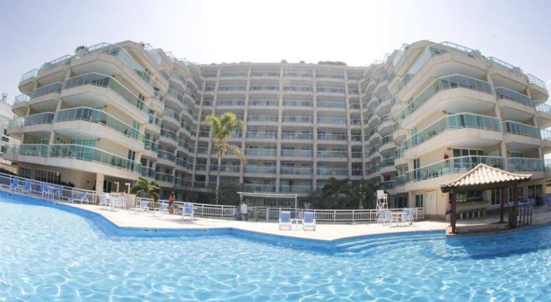 fachada do flat de frente para praia