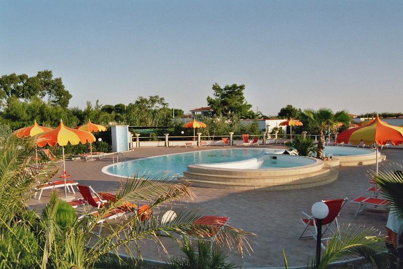 Appartamentino  SunBay sul mare con piscina, vacation rental in Vieste