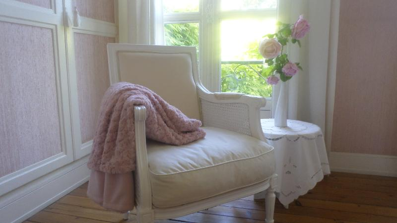 Chambre anglo-normande - fauteuil