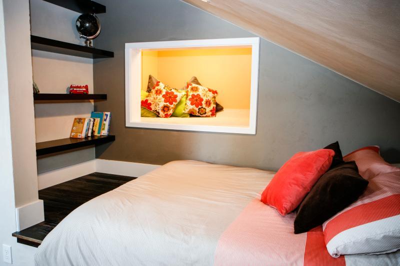 Full bed in loft