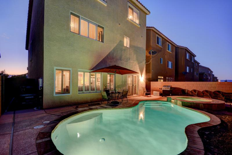 5 mins to las vegas strip new 3 story 4 bedroom home w pool spa rh tripadvisor com