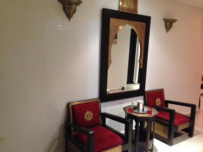 2 Bedroom Luxury Apartment in Guelize, vacation rental in Marrakech